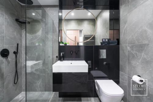 apartament-NEON-lazienka-umywalka-prysznic