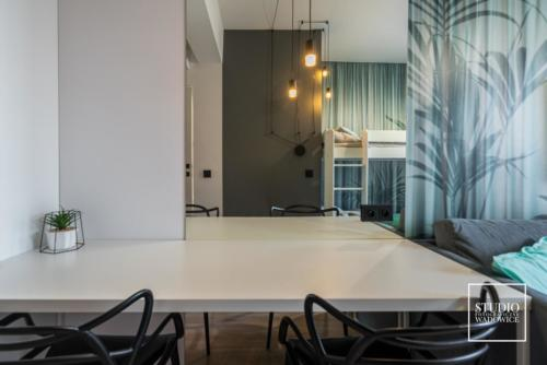 apartament-NEON-pokoj-dzungla